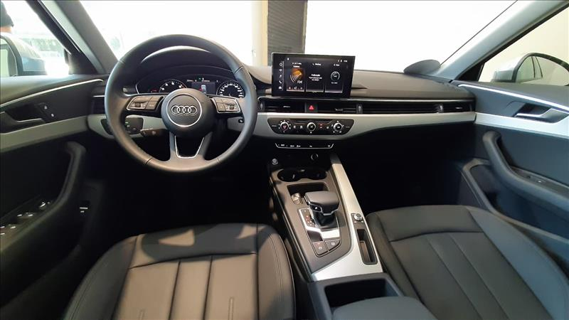 AUDI-A4-2.0 TFSI Prestige S Tronic