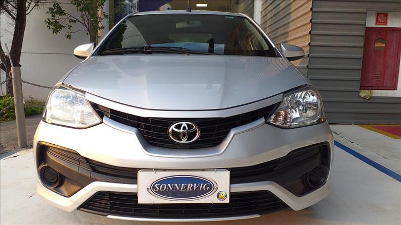 TOYOTA-ETIOS-1.5-X-Sedan-16V