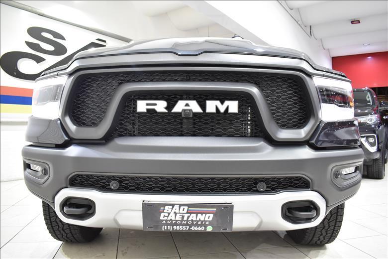 DODGE RAM 5.7 V8 1500 Rebel CD 4X4